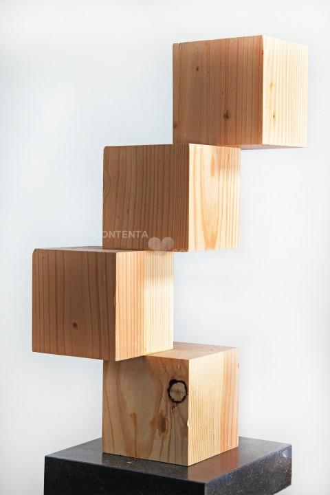 Stapeling van 4 kubussen, - douglas hout- hoogte 62cm